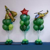 Композиция из воздушных шаров ко Дню Защитника Отечества