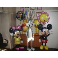Композиция из гелевых шаров с героями любимых мультиков с поющим шаром