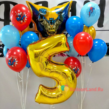 Композиция из воздушных шаров с Бэтменом, цифрой и шарами с человеком пауком