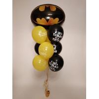 Фонтан с символом Бэтмен и оскорбительными шарами