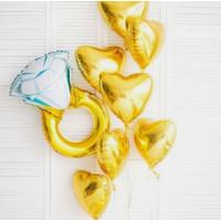 Композиция из воздушных шаров на девичник с кольцом и сердцами
