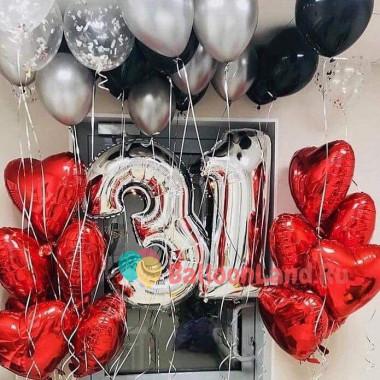 Композиция из шаров на День Рождения с цифрами и сердцами