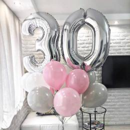 Букет воздушных шаров на День Рождения с цифрами серо-розовый