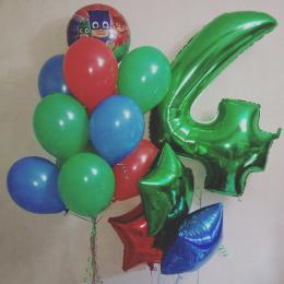 Композиция гелиевых шаров на День Рождения Герои в масках с цифрой