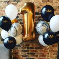Сет из шаров на 1 год с чёрно-белыми шарами