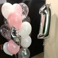 Композиция из шаров на 1 год, белый, розовый, серебро