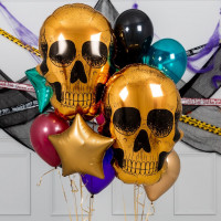 Сет из воздушных шариков с золотыми черепами и звездами