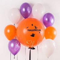 Композиция из гелевых шаров с большим оранжевым шаром на Хеллоуин