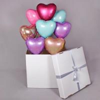 Композиция из шаров сердца в коробке