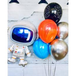 Композиция из шаров в стиле Космос с Космонавтом