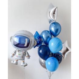 Композиция из шаров с фигурой Космонавта