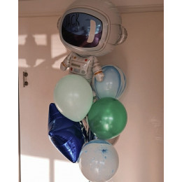 Букет воздушных шаров юному мечтателю о космосе