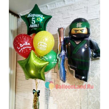 Композиция из шариков Лего Ниндзяго Лойд со звездами на День рождения