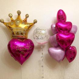 Композиция из шаров сердца с короной и шаром с перьями маме на праздник