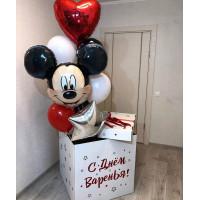 Букет шариков в коробке-сюрприз с Микки Маусом сердцем и звездой