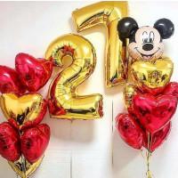 Композиция из шаров с Микки Маусом с цифрами и сердцами ко Дню Рождения
