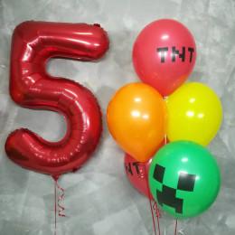 Композиция из шаров с гелием Майнкрафт на пять лет
