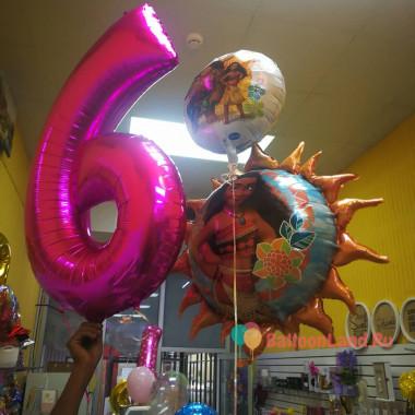 Композиция из воздушных шаров героиня мф Моана Дисней с цифрой
