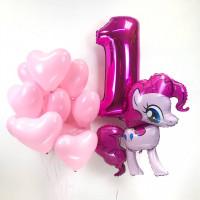 Композиция из воздушных шаров на первый день рождения с Пинки Пай и сердцами