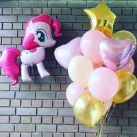 Композиция из шариков с пони Пинки Пай звездой и сердцами