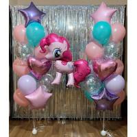 Композиция из воздушных шариков с пони Пинки Пай и двумя фонтанами