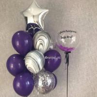 Композиция из шаров с шаром с перьями и букетом со звездой