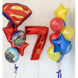 Композиция из шариков на семь лет с Мстителями и эмблемой Супермена