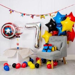 Композиция из гелиевых шаров сюрприз на День Рождения со Щитом Америки, шаром с перьями и звездами