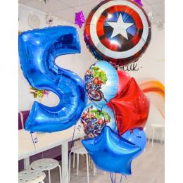 Композиция из шариков Мстители со Щитом Америки и звездами на пять лет