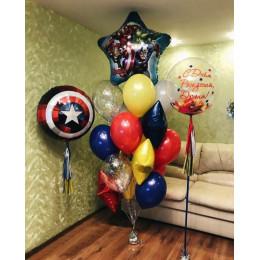 Композиция из шариков Команда Мстителей с Щитом Капитана Америки и шаром с перьями