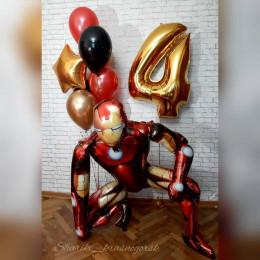 Композиция из шариков мальчику на четырехлетие с Железным Человеком