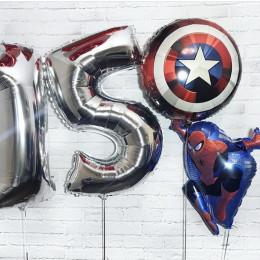 Композиция из шариков со Щитом Америки и Человеком-пауком с двумя цифрами на День Рождения