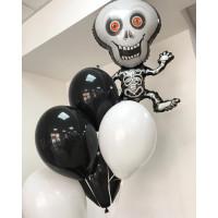 Букет воздушных шариков со скелетом в бело-черной гамме