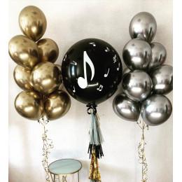 Композиция из шариков хром золото и серебро с большим черным шаром с нотой