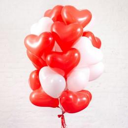 Облако воздушных шаров для любимой Красные и белые сердца
