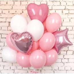 Облако воздушных шаров в нежно-розовой гамме