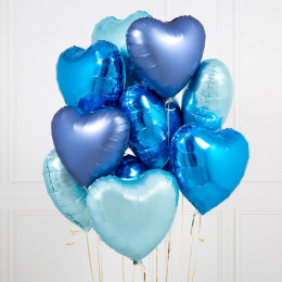 Облако шаров сердец в голубых тонах для него