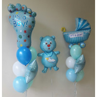 Композиция из воздушных шаров на выписку мальчика