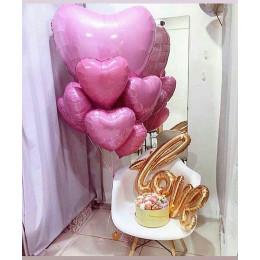 Композиция из шариков розовые сердца на День Святого Валентина