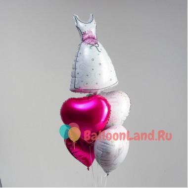 Букет из шариков со свадебным платьем и сердцами