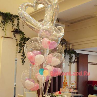 Букет гелиевых шариков на свадьбу с сердцем-вензелем