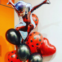 Букет шаров Леди Баг чёрно-красный со звёздами - дополнительное фото #3