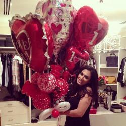 Жена клиента Михаила с шариками