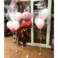 Композиция из шариков со Свинкой Пеппой и шарами с конфетти