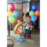 Композиция из шаров Пират Джейк с цифрой и двумя фонтанам