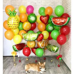 Сет из разноцветных фонтанов с фруктами
