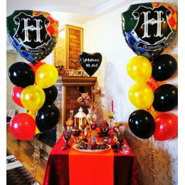Композиция с гербом Хогвартса и воздушными шариками, Гарри Поттер на 10 лет