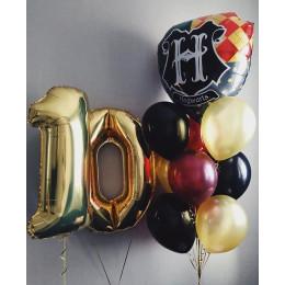 Композиция на 10 лет с гелиевыми шариками и гербом Хогвартса