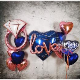 Набор девушке с гирляндой Love, шаром bubbles и кольцом в синем цвете на предложение стать женой