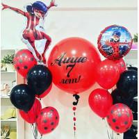 Композиция из шаров Леди Баг с большим шаром с надписью